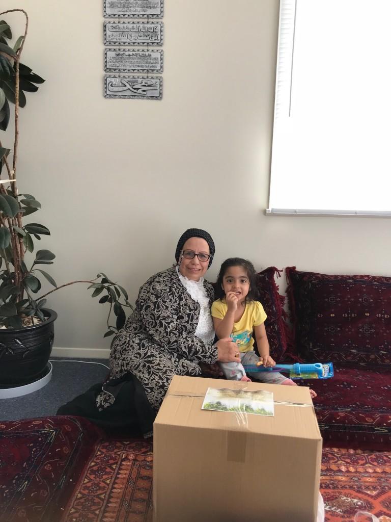Khalida Hawa Yasmine Pearl Foundation Xmas Gift 211217